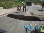 Hati hati Jalan Poros Sangatta Bontang KM 7 Berlubang