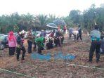 Ketua DPRD Kutim Bersama Bupati Ikut Menyemai Bibit Jagung dan Palawija