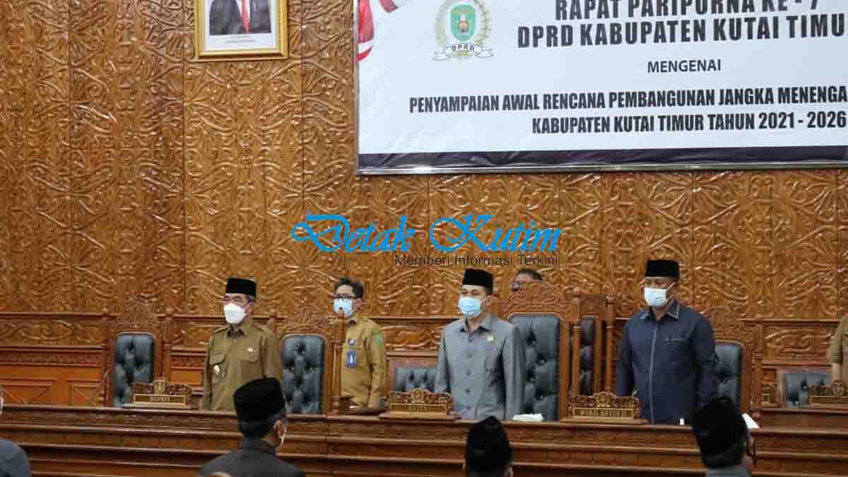 Rapat Paripurna Ke 7 DPRD Kutim Penyampaian Awal RPJMD Bupati Kutim